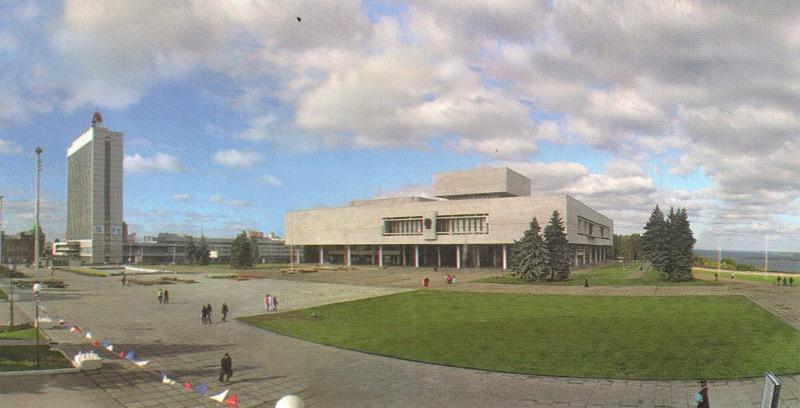 Площадь 100-летия со дня рождения В.И.Ленина