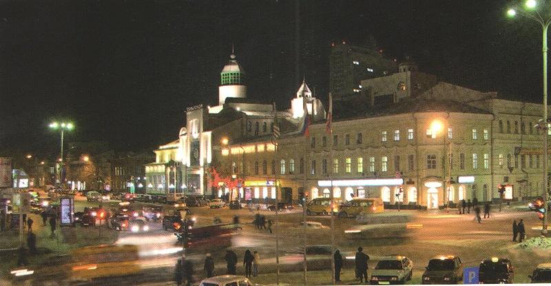 Перекресток улиц Карла Маркса и Гончарова
